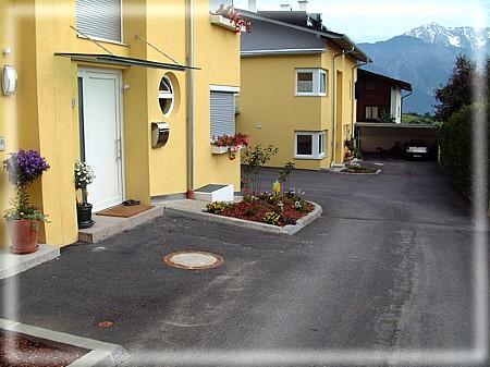 2003 rinn haupstra e sch ner wohnen wohnbau gmbh h user die anziehen. Black Bedroom Furniture Sets. Home Design Ideas